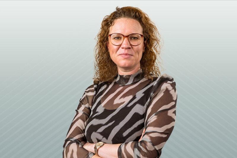 Yvette van der Eeze